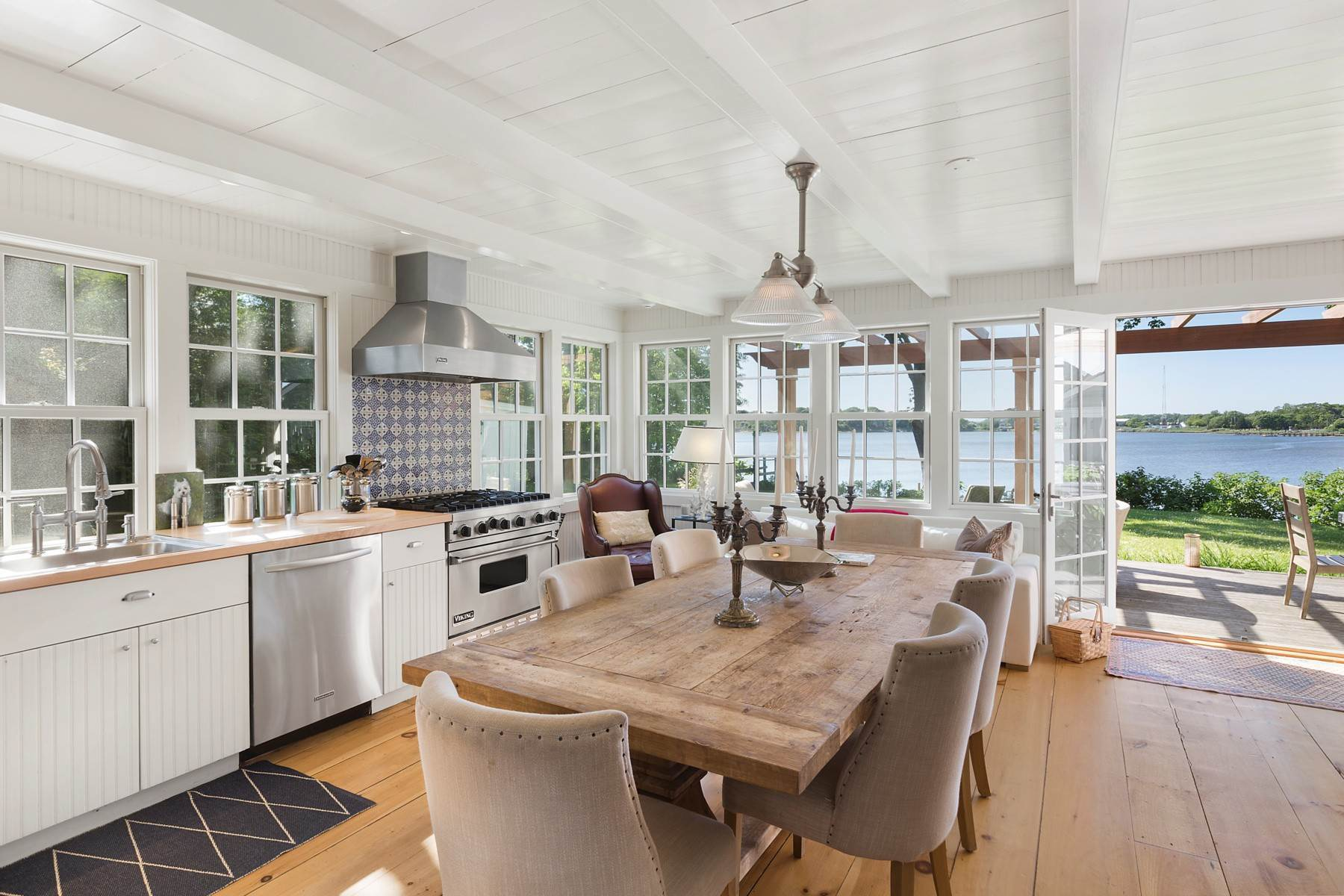 6. Single Family Home at Classic Waterfront On Sag Harbor Cove Sag Harbor, NY 11963