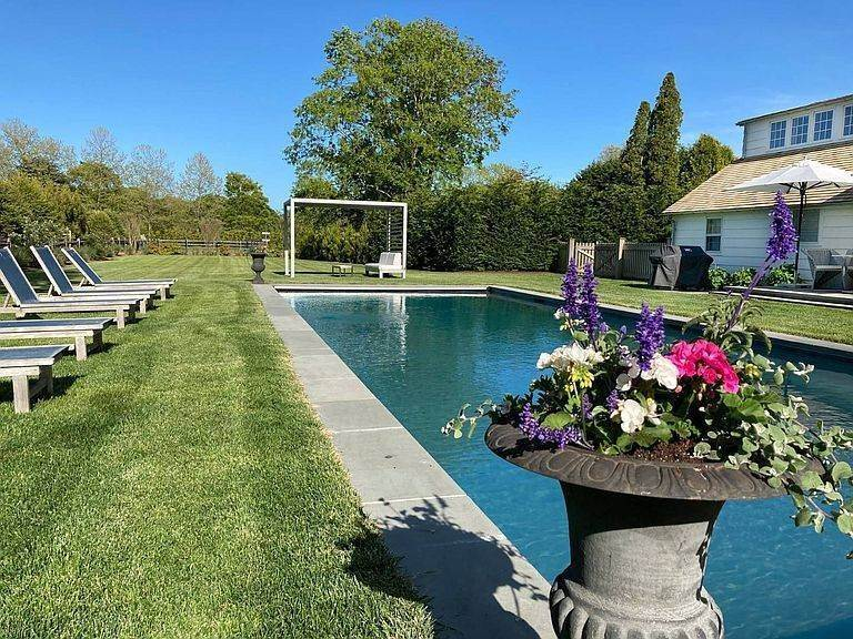 5. Single Family Home at A Beauty Just 2 Miles From Village Southampton, NY 11968