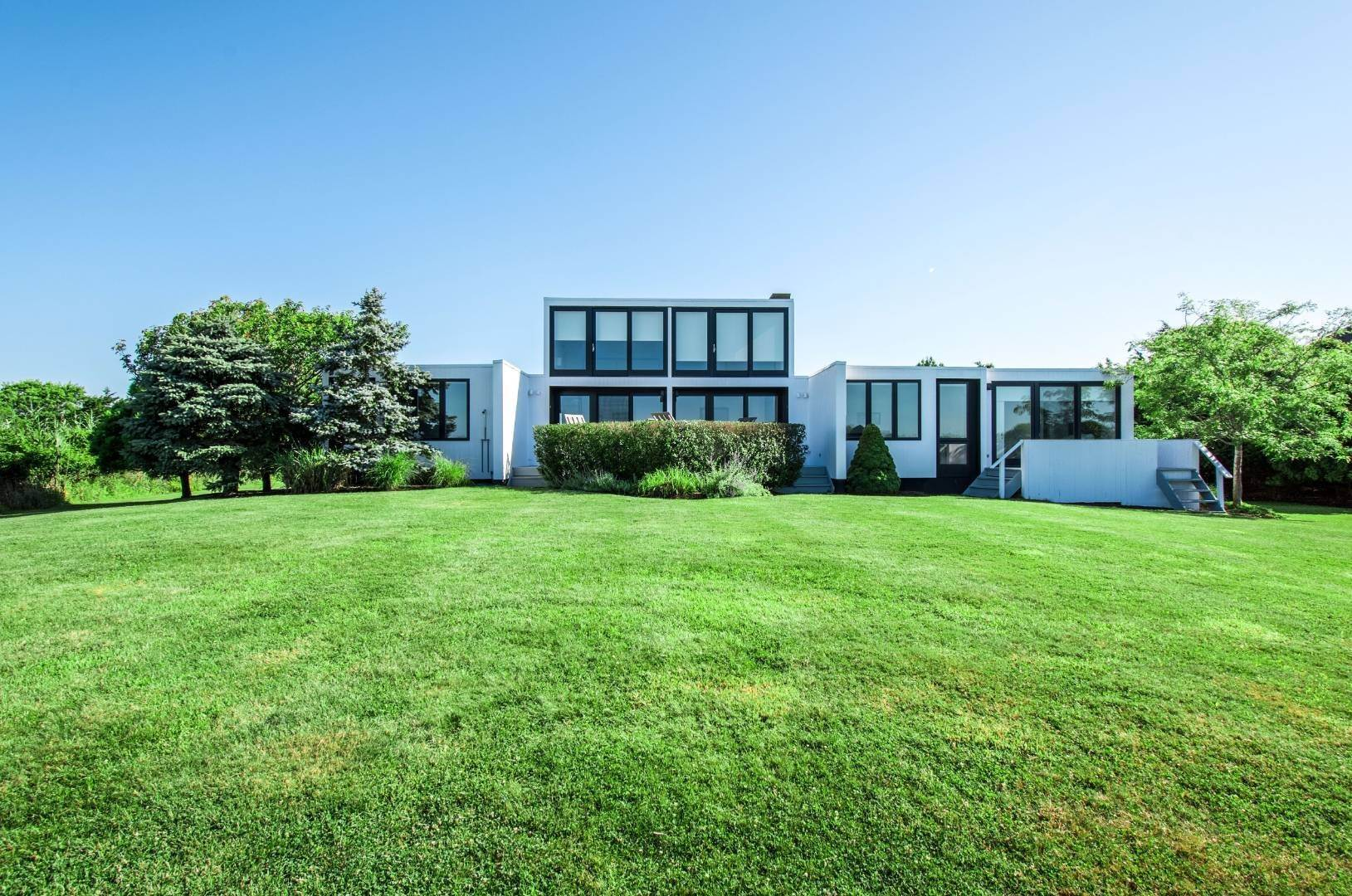 Single Family Home at Sagaponack Waterfront And Ocean Views Sagaponack Village, NY 11962