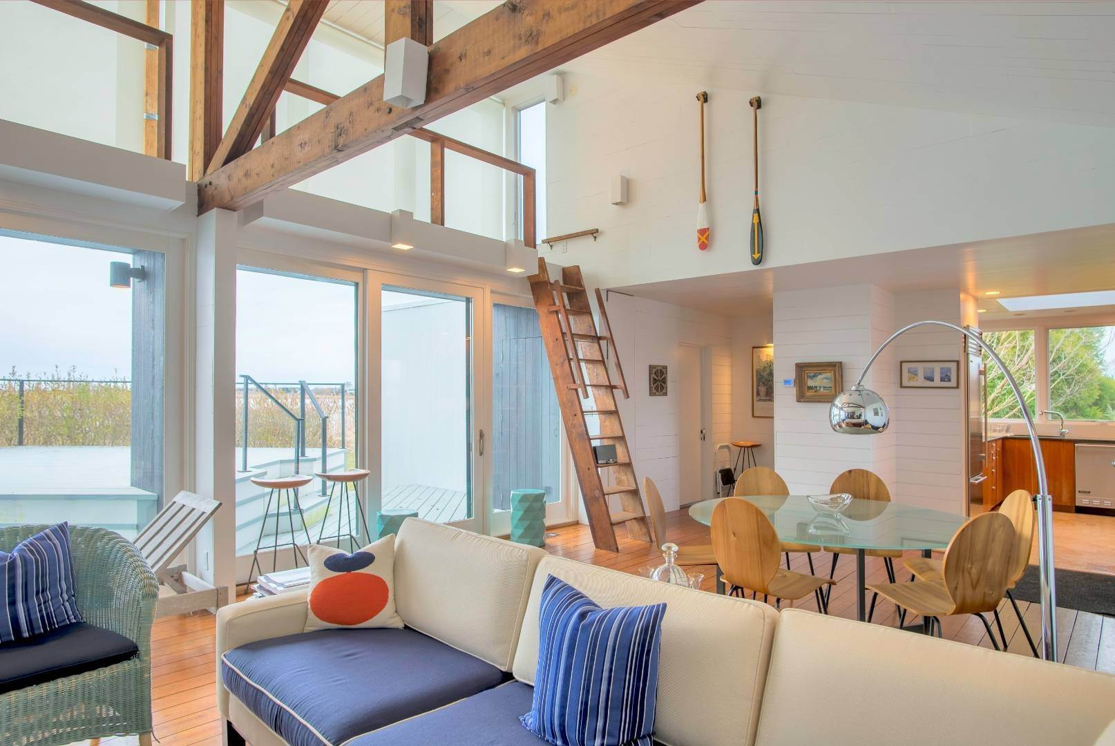 8. Single Family Home at Sagaponack Waterfront And Ocean Views Sagaponack Village, NY 11962