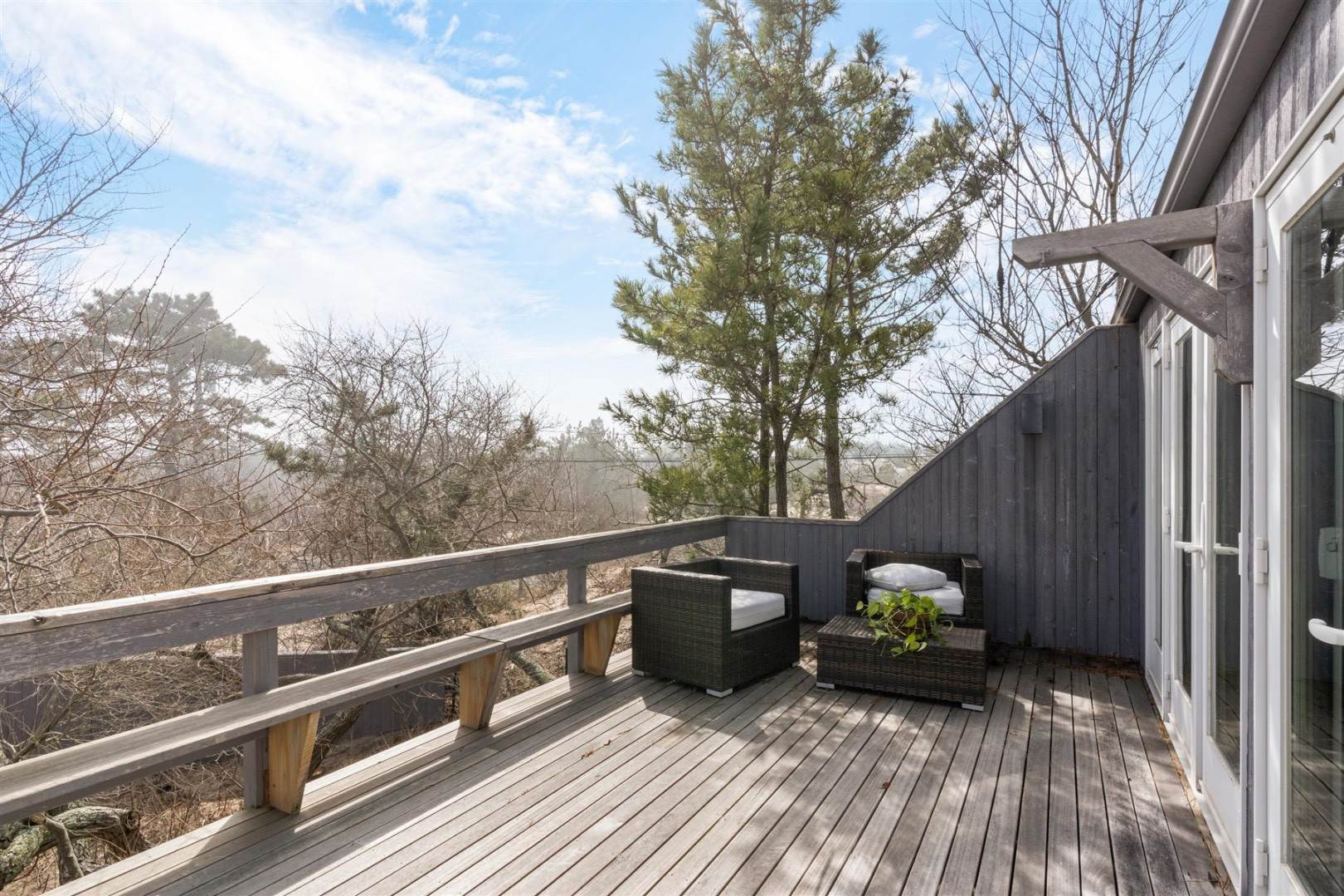 19. Single Family Home at Hamptons Rental Ocean Side Contemporary In Amagansett 49 Gilberts Path, Napeague, NY 11930