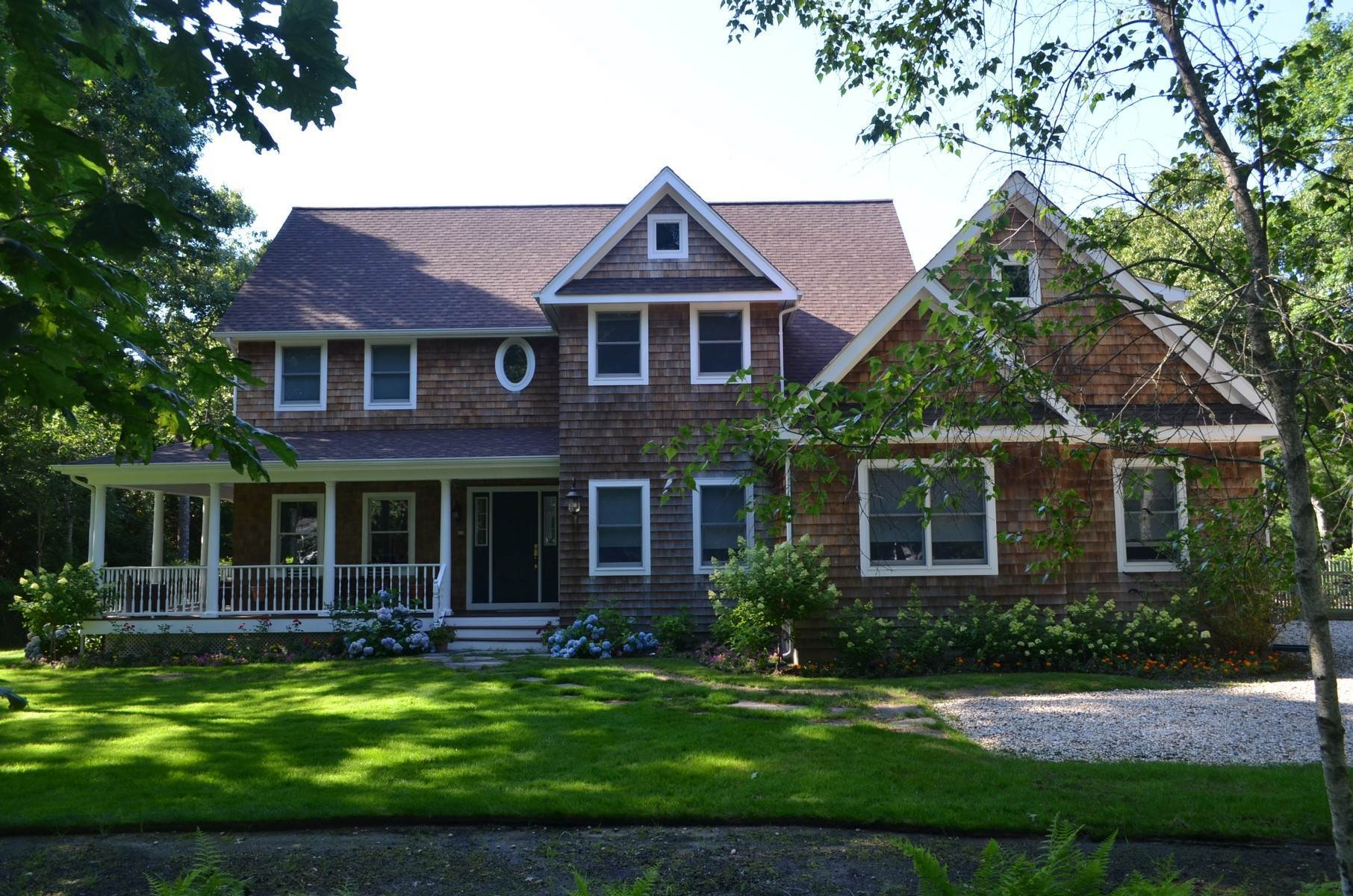 22. Single Family Home at Southampton Southampton, NY 11968