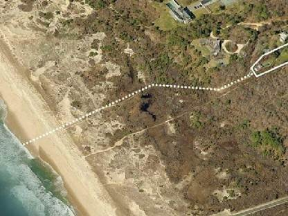 9. Single Family Home at Elegant And Almost Oceanfront Amagansett, NY 11930