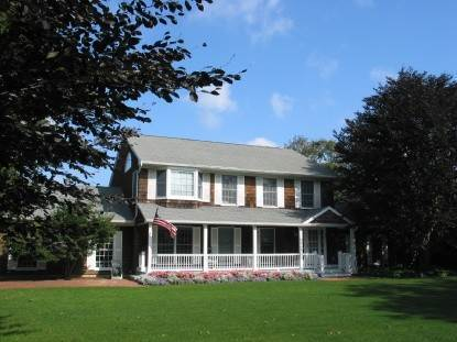 Single Family Home at South Of The Highway Southampton, NY 11968