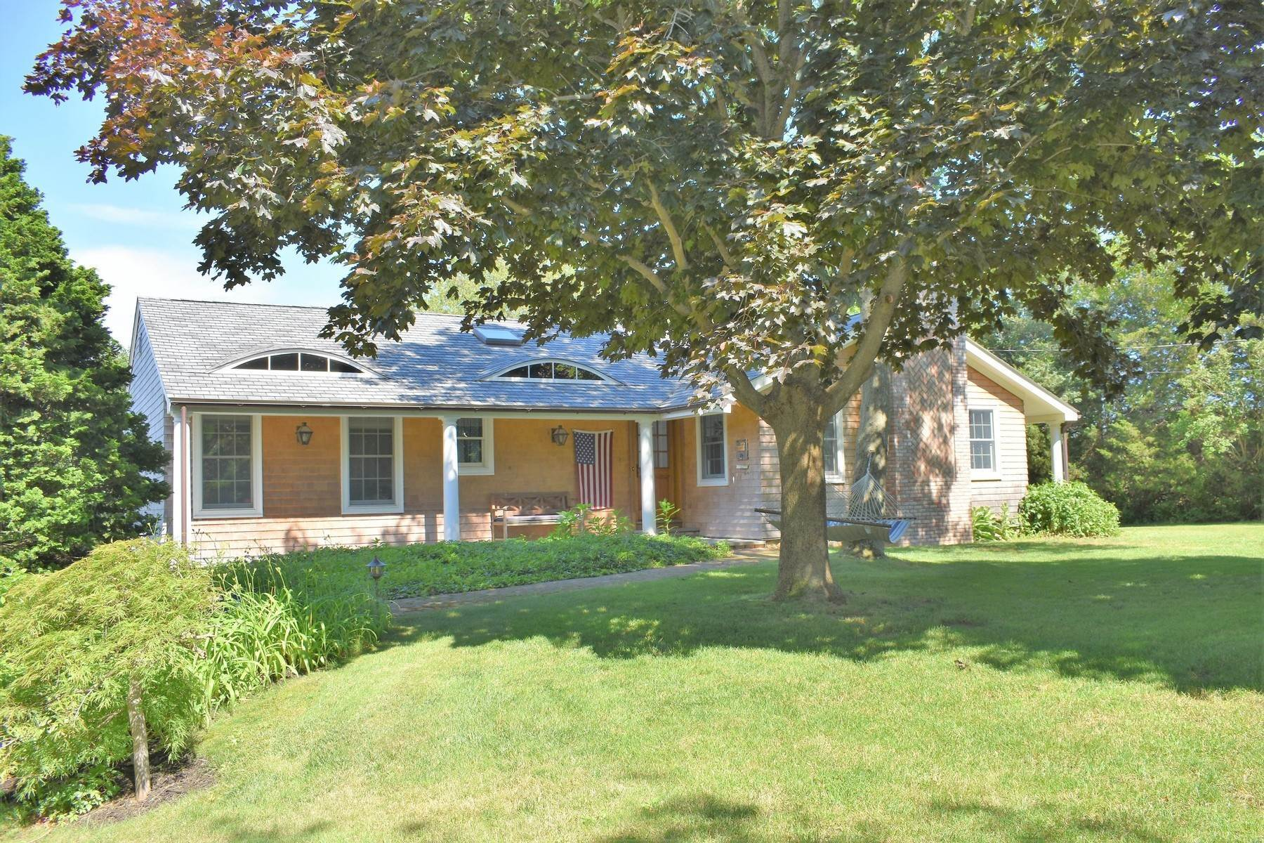Single Family Home at Lovely 3br Country Style Water Mill Home Water Mill, NY 11976