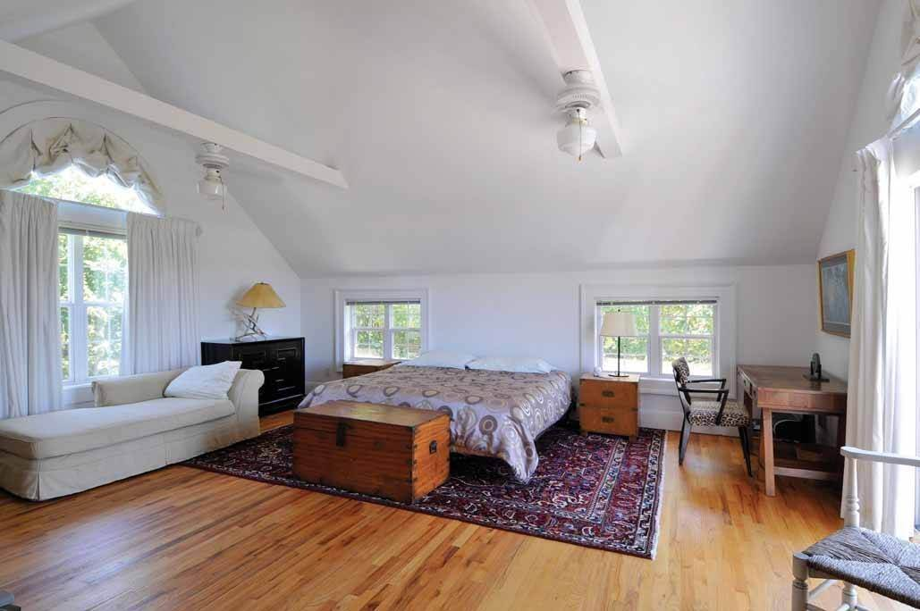10. Single Family Home at Water Mill North Southampton, NY 11976