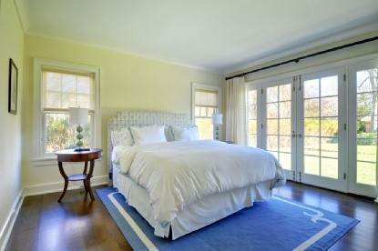 7. Single Family Home at East Hampton Village Area, 5 Bd, Pool East Hampton, NY 11937