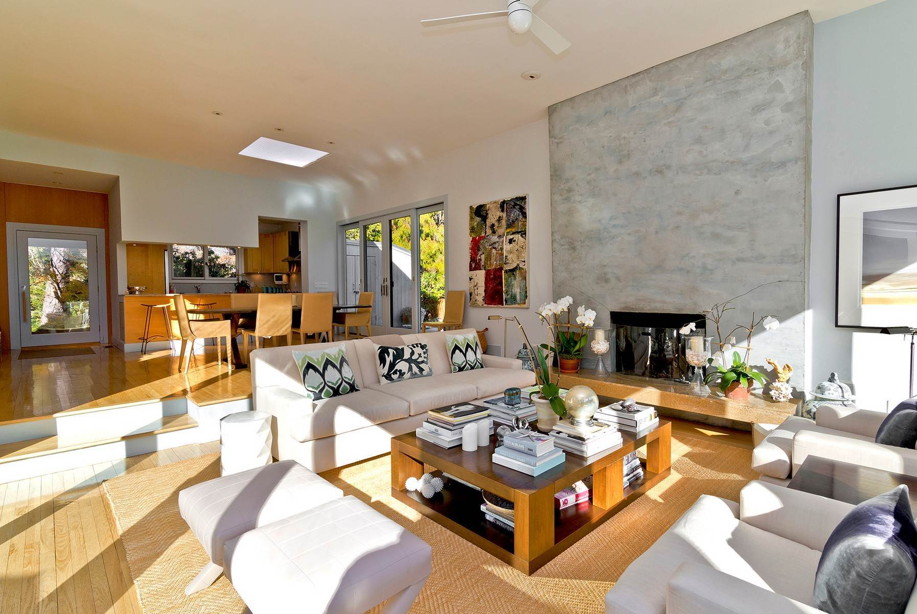 9. Single Family Home at Wainscott South Modern Wainscott, NY 11975