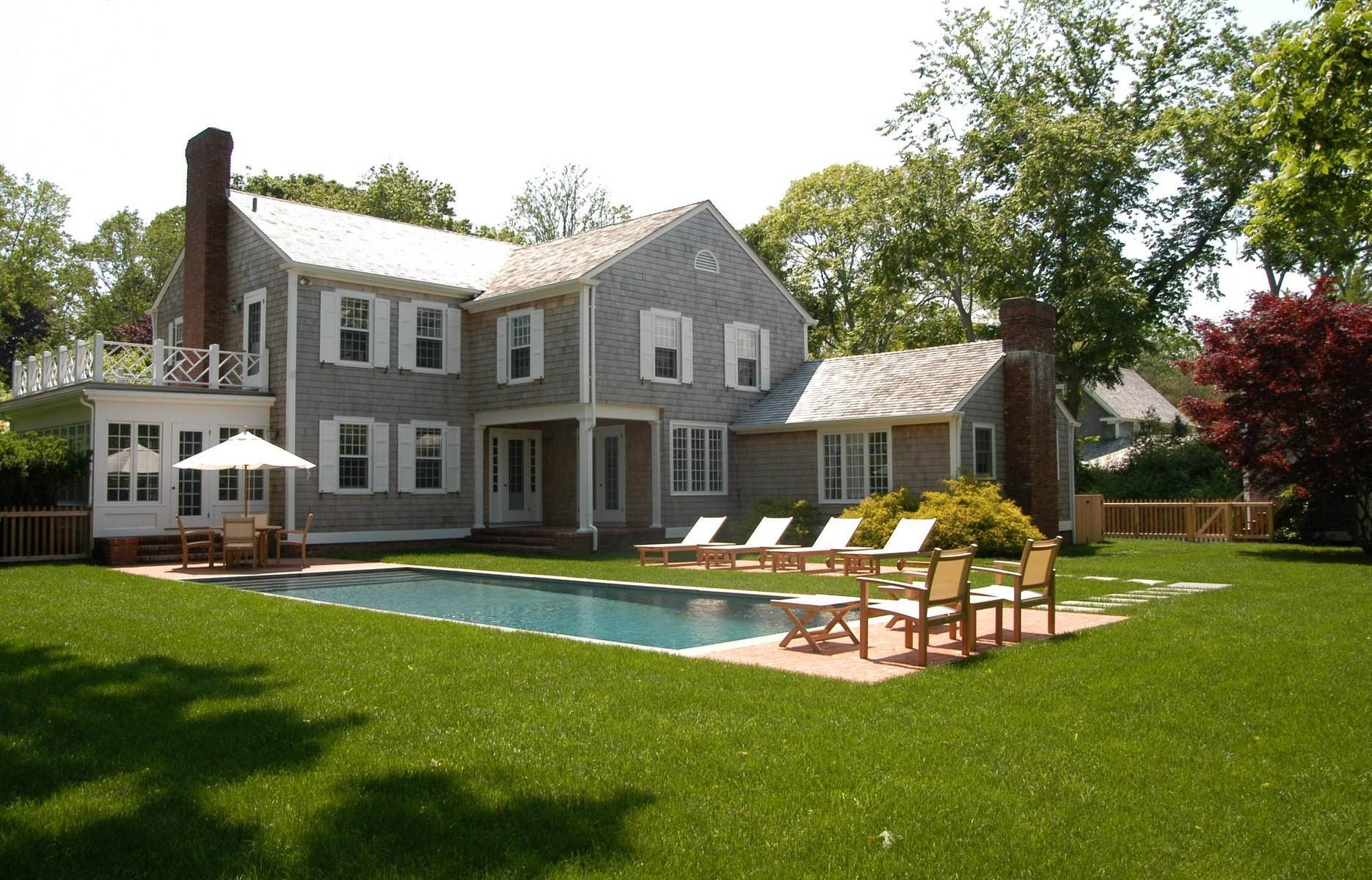 14. Single Family Home at East Hampton - Dunemere Lane Opportunity East Hampton, NY 11937