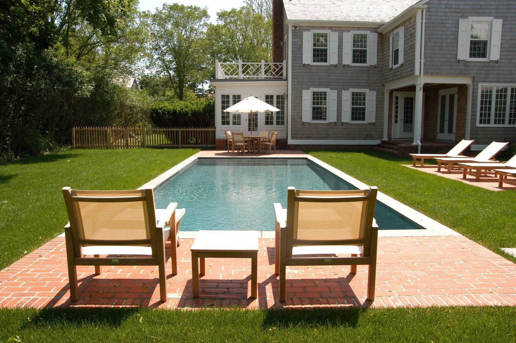 15. Single Family Home at East Hampton - Dunemere Lane Opportunity East Hampton, NY 11937