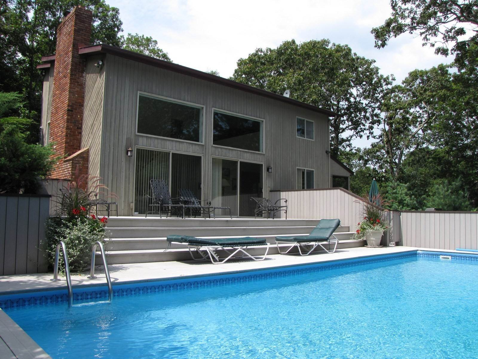 21. Single Family Home at Near Three Mile Harbor And Maidstone Bay East Hampton, NY 11937