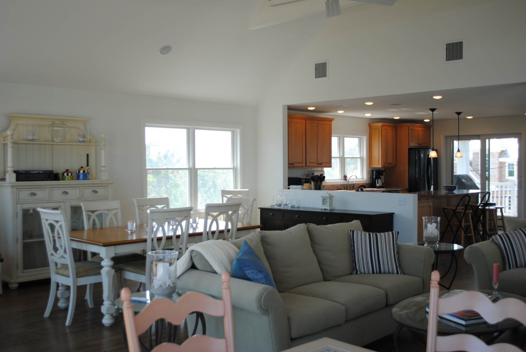 3. Single Family Home at Dune Road Oceanfront Westhampton Westhampton, NY 11977