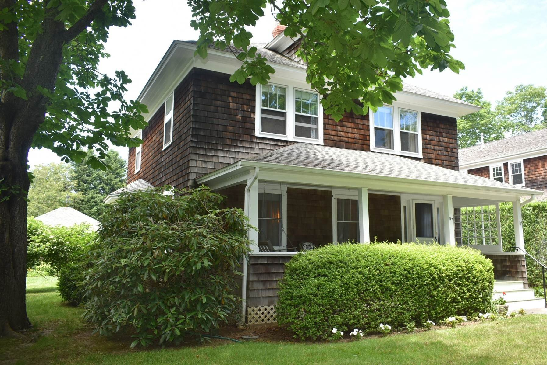 2. Single Family Home at Southampton Village Rental Southampton, NY 11968