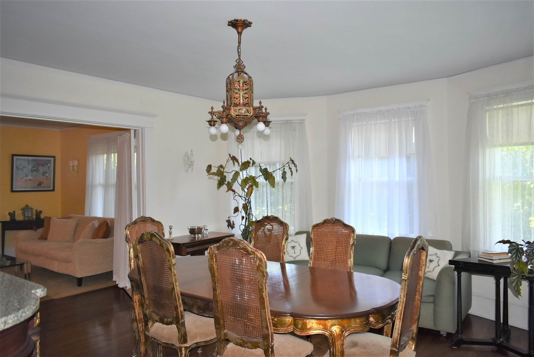 5. Single Family Home at Southampton Village Rental Southampton, NY 11968