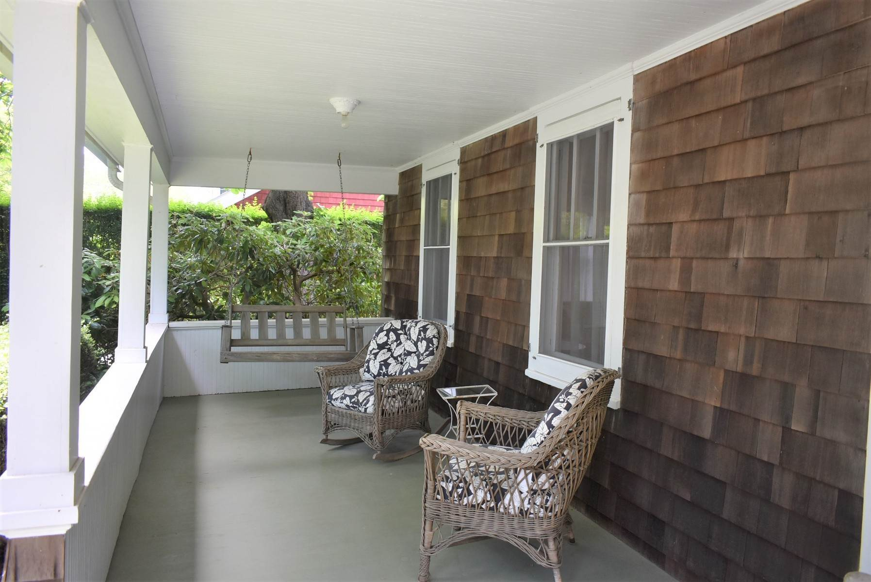 3. Single Family Home at Southampton Village Rental Southampton, NY 11968