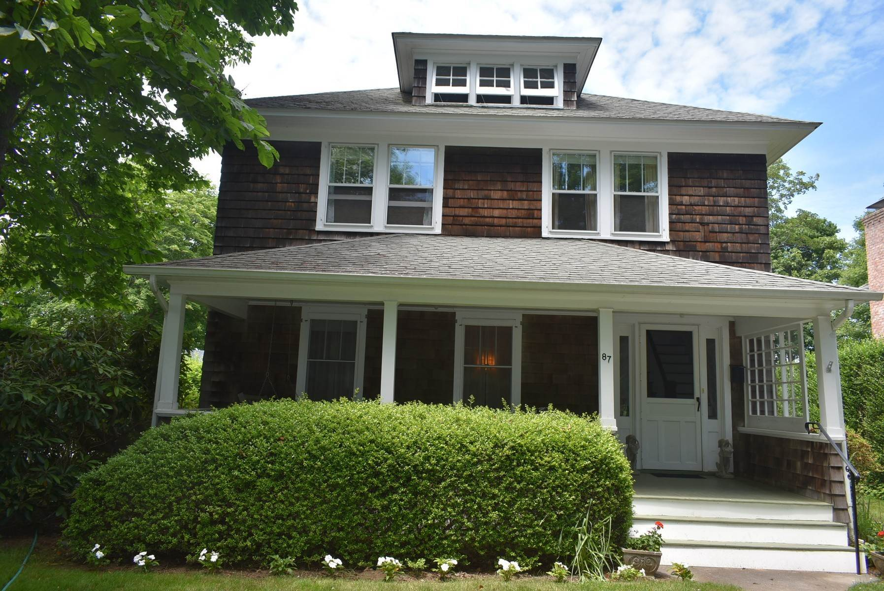 15. Single Family Home at Southampton Village Rental Southampton, NY 11968