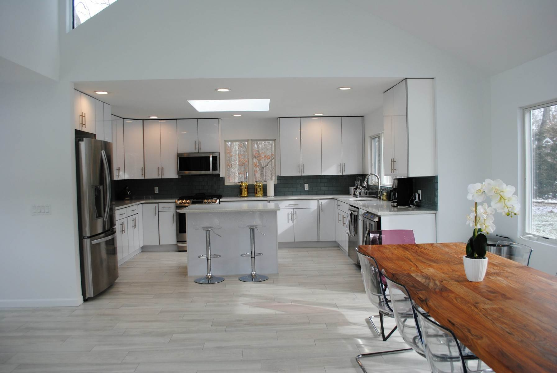 6. Single Family Home at Renovated Quogue Village - Pool & Tennis Quogue Village, NY 11959