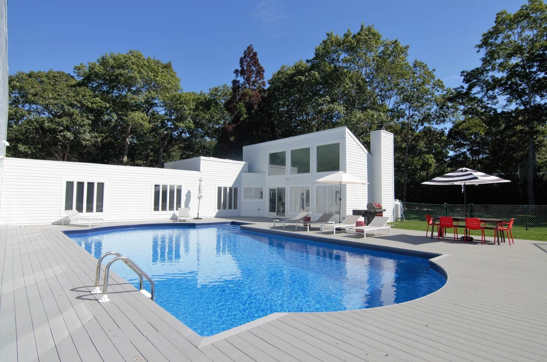Single Family Home at Renovated Quogue Village - Pool & Tennis Quogue Village, NY 11959