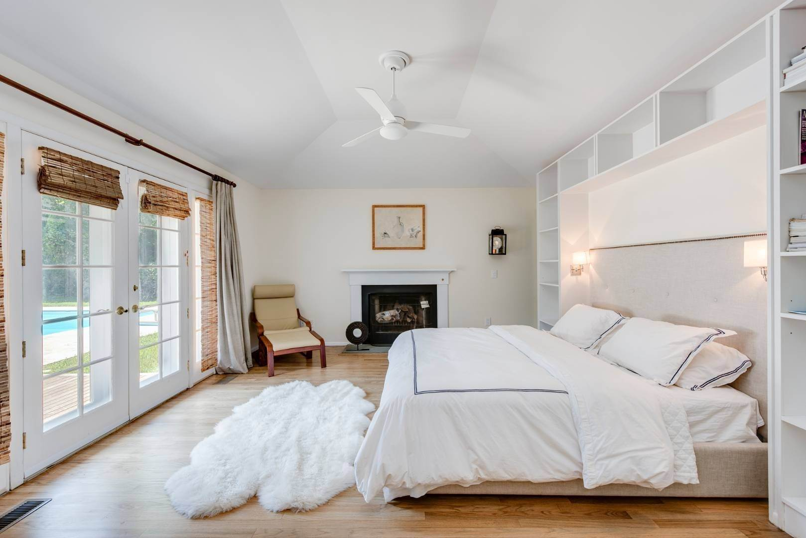 16. Single Family Home at Gorgeous Less Than A Mile To The Beach! Sagaponack, NY 11962