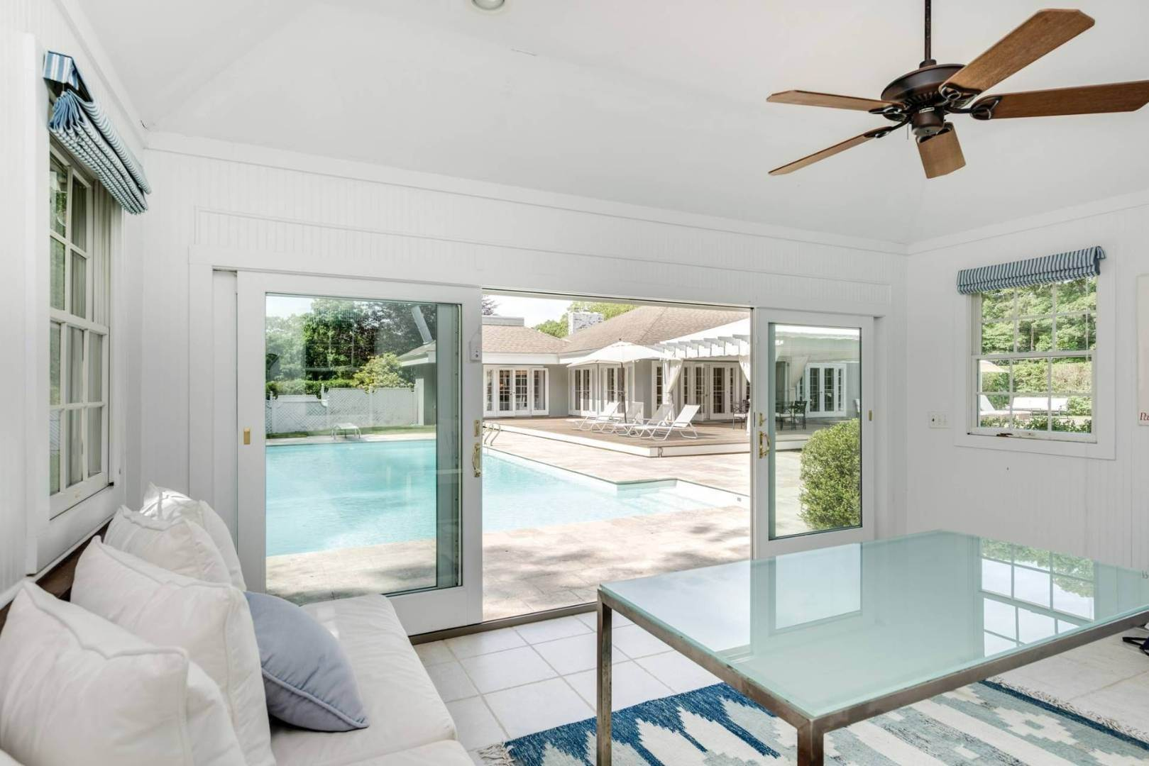 19. Single Family Home at Gorgeous Less Than A Mile To The Beach! Sagaponack, NY 11962