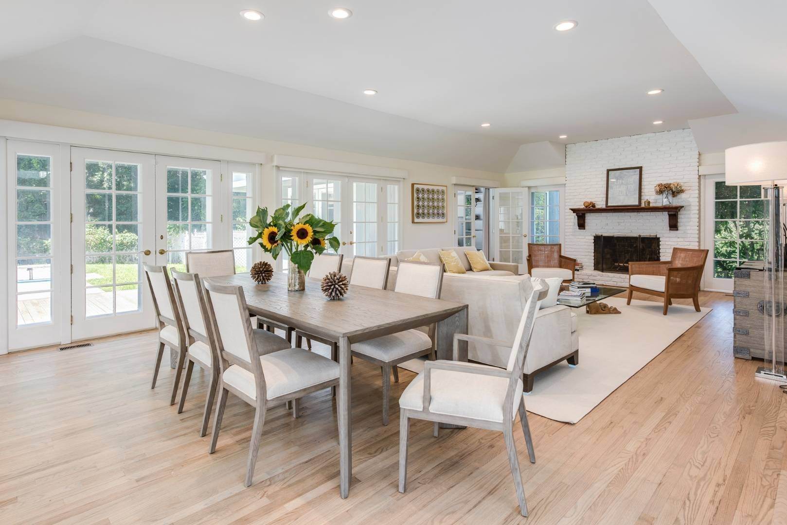 20. Single Family Home at Gorgeous Less Than A Mile To The Beach! Sagaponack, NY 11962