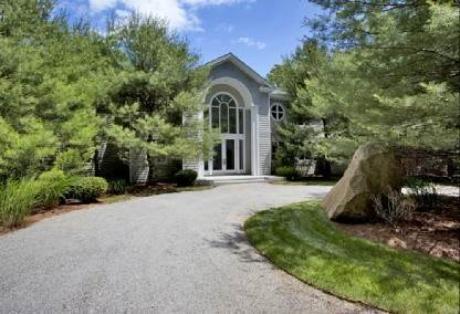 2. Single Family Home at East Hampton Estate With Tennis & Gym East Hampton, NY 11937