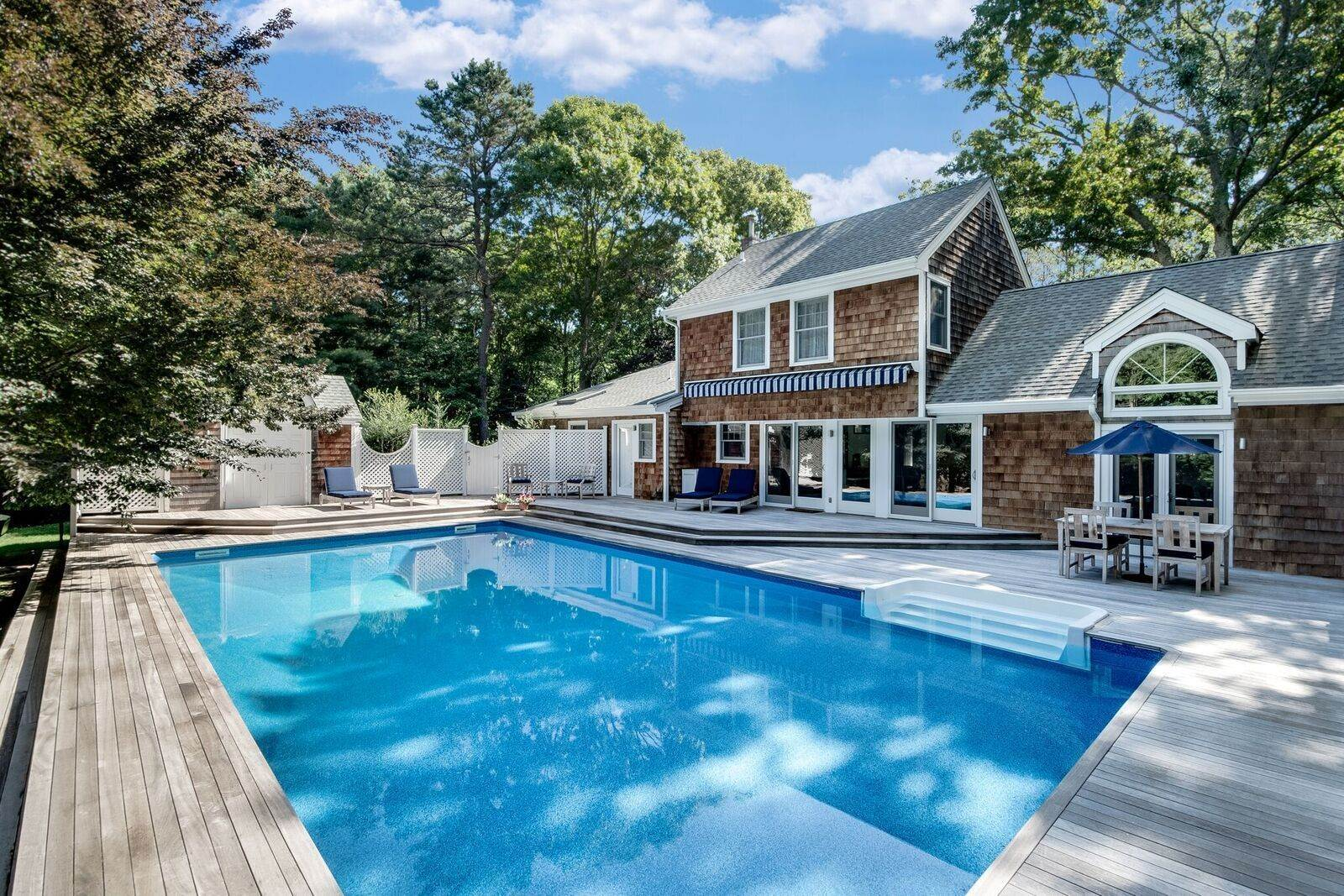 Single Family Home at Renovated Perfect Summer Getaway! Sagaponack, NY 11962