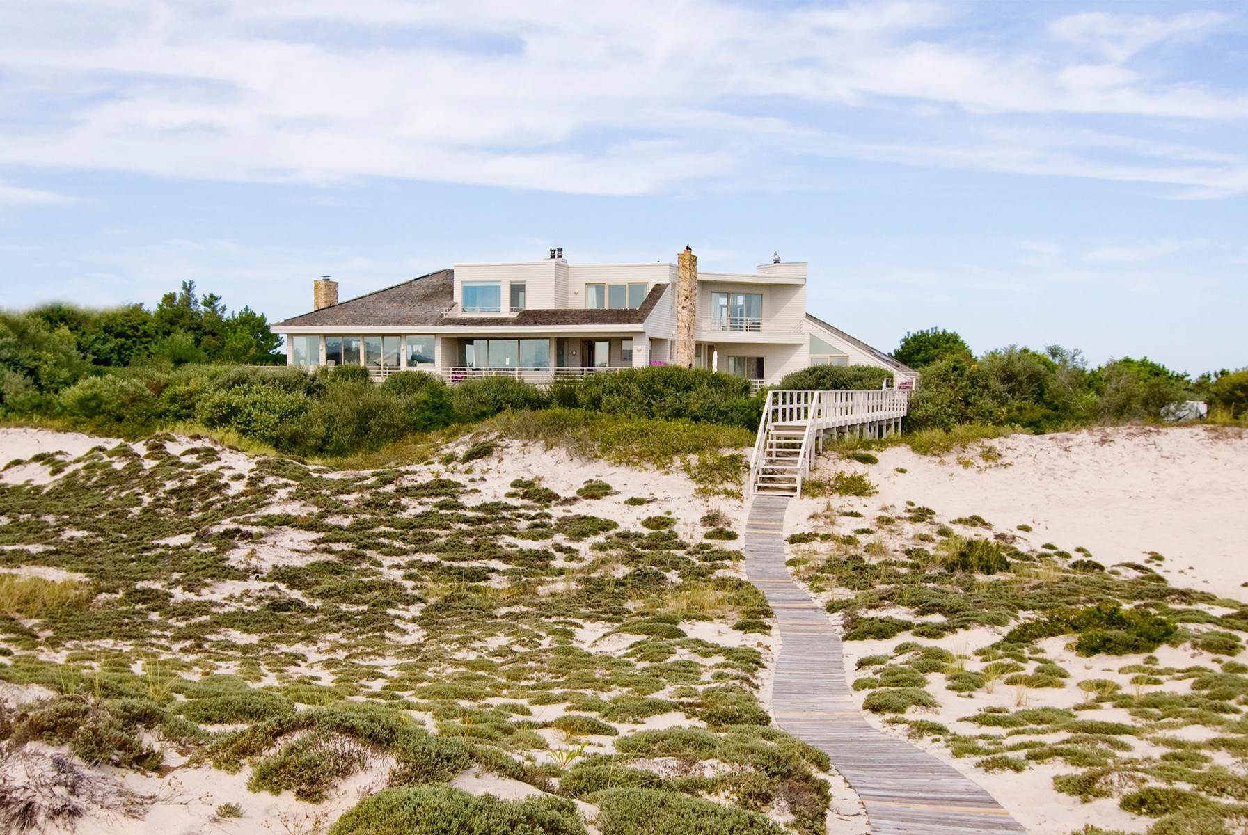 Single Family Home at Oceanfront ~ Southampton Village Southampton, NY 11968