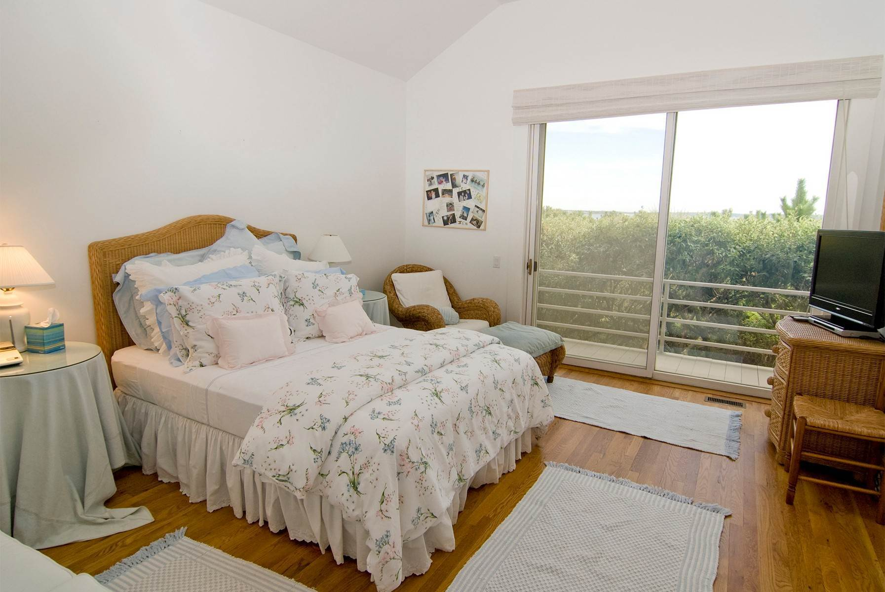 13. Single Family Home at Oceanfront ~ Southampton Village Southampton, NY 11968