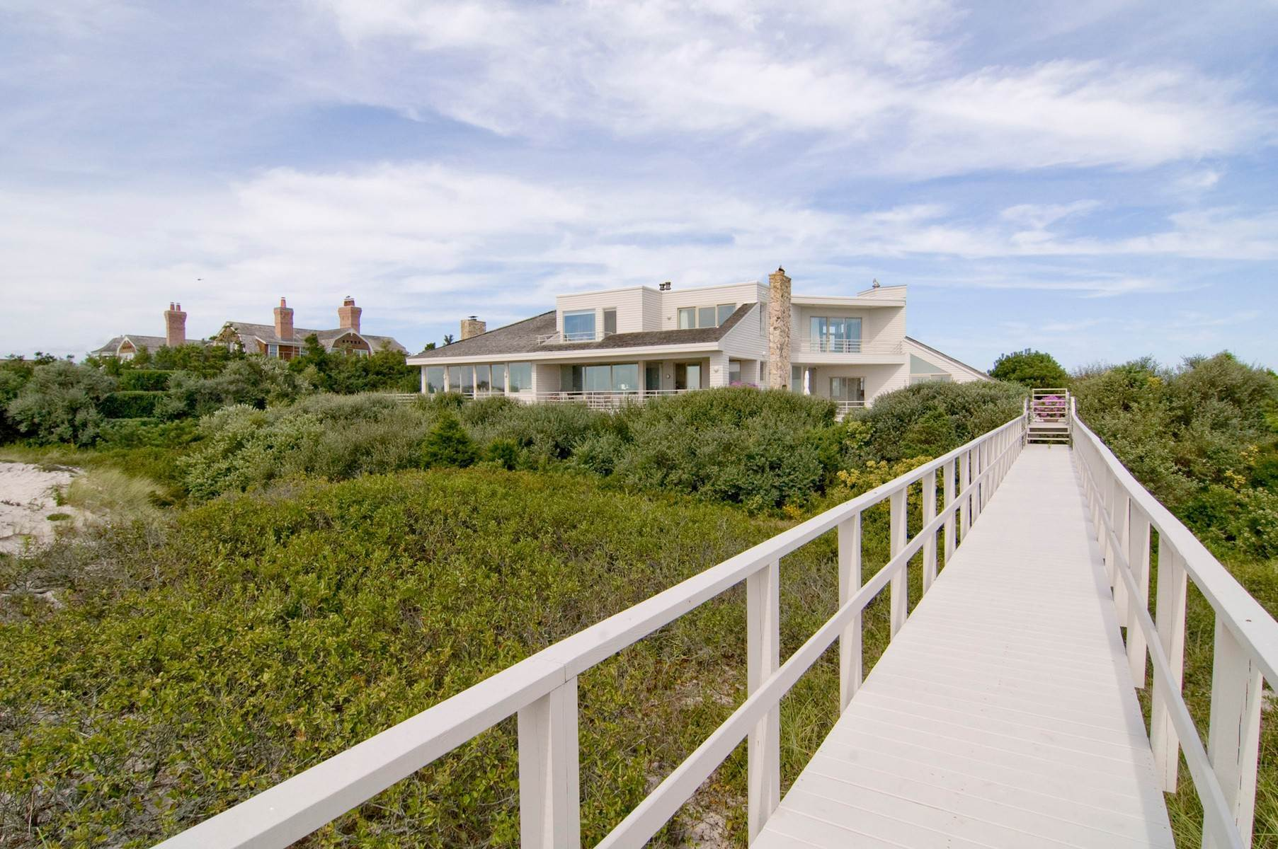 14. Single Family Home at Oceanfront ~ Southampton Village Southampton, NY 11968