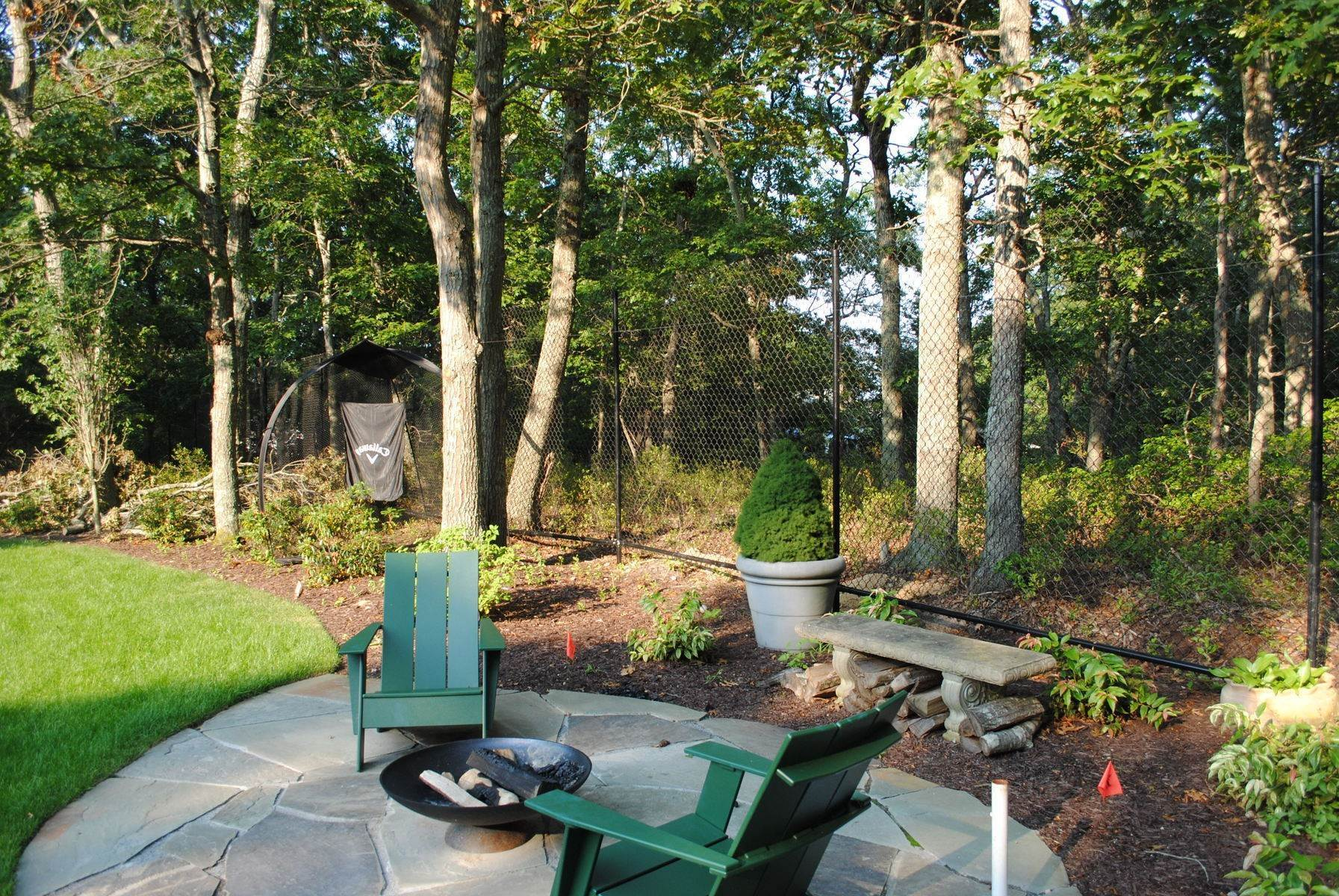 13. Single Family Home at Sag Harbor Home W Heated Pool Sag Harbor, NY 11963