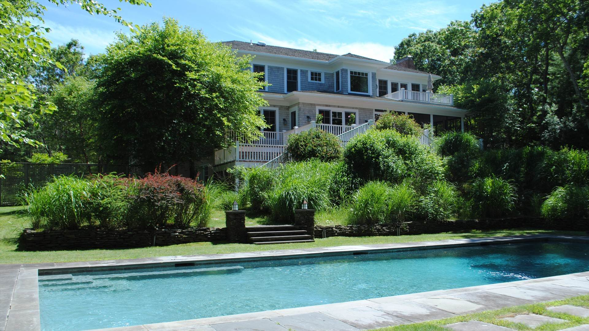 Single Family Home at East Hampton Bull Path 2021 East Hampton, NY 11937