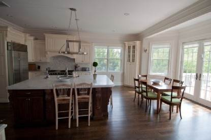 4. Single Family Home at Gorgeous Water Mill Gambrel Water Mill, NY 11976