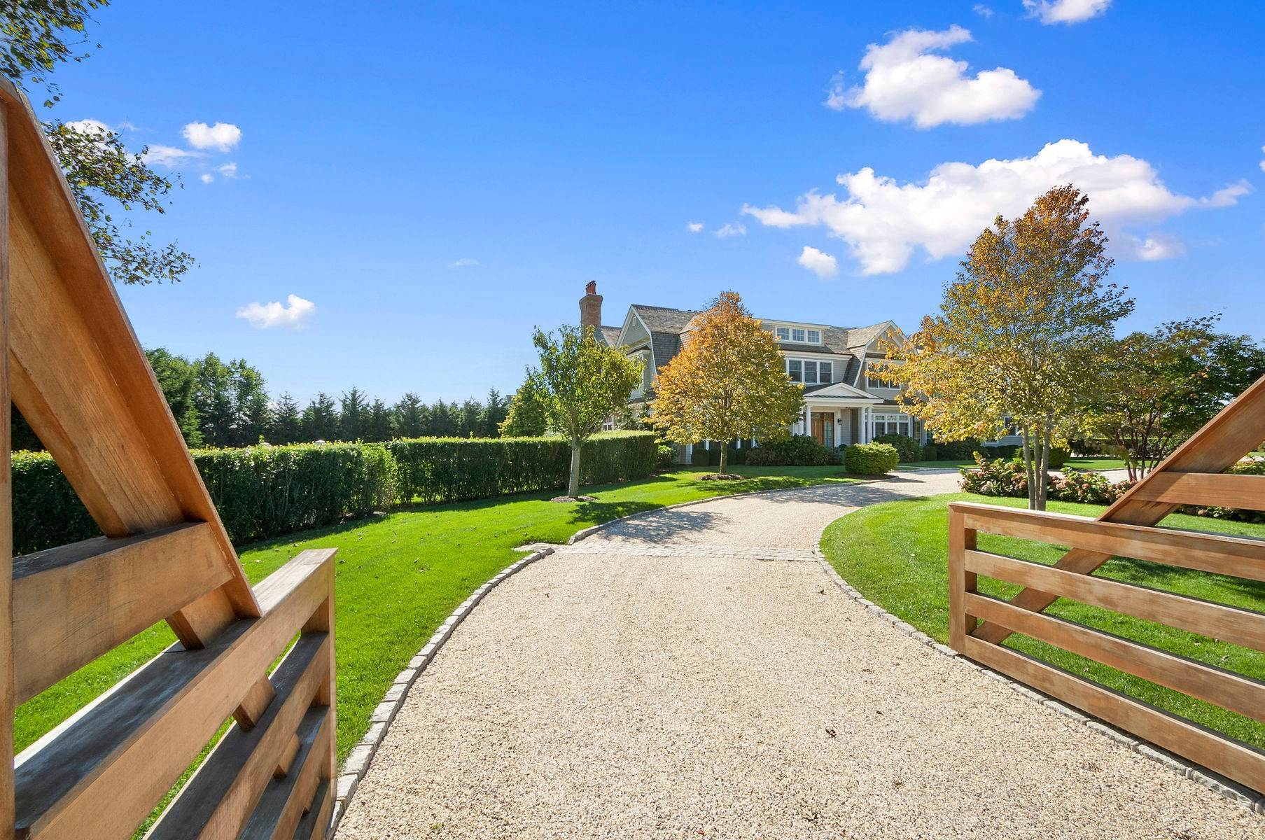 3. Single Family Home at Sagaponack Estate With Farm Views 515 Parsonage Lane, Sagaponack Village, NY 11962