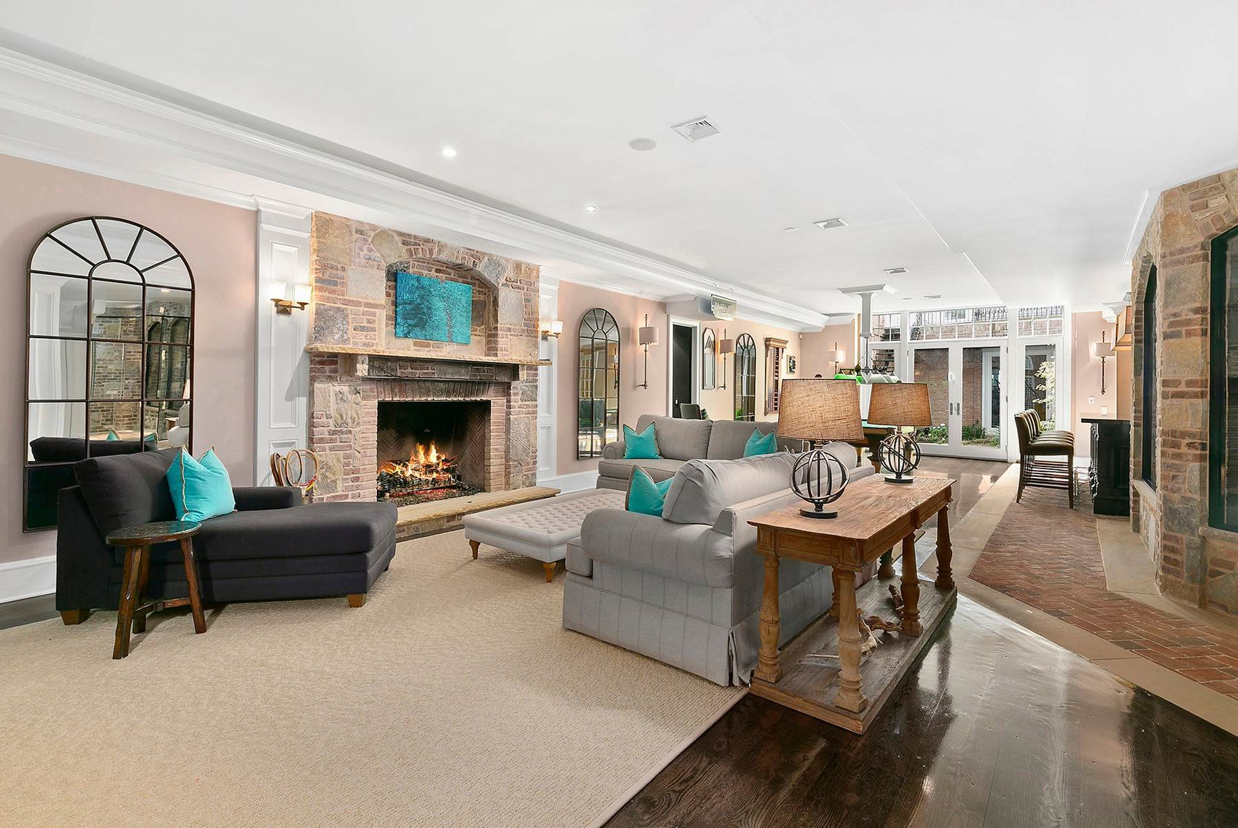 18. Single Family Home at Sagaponack Estate With Farm Views 515 Parsonage Lane, Sagaponack Village, NY 11962