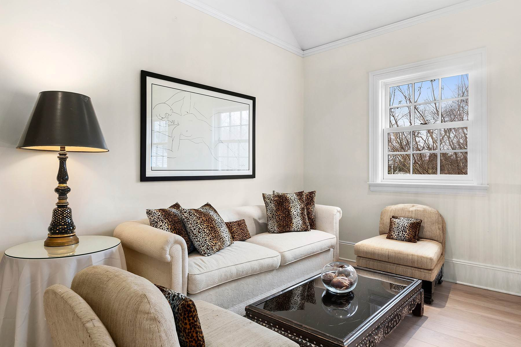 21. Single Family Home at Southampton Village One Block To Ocean Southampton, NY 11968