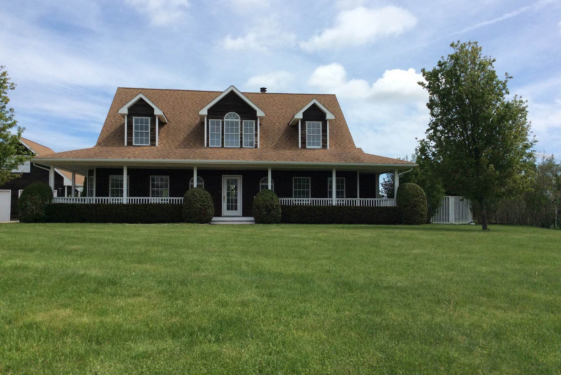 23. Single Family Home at Water Mill Traditional For Rent Water Mill, NY 11976