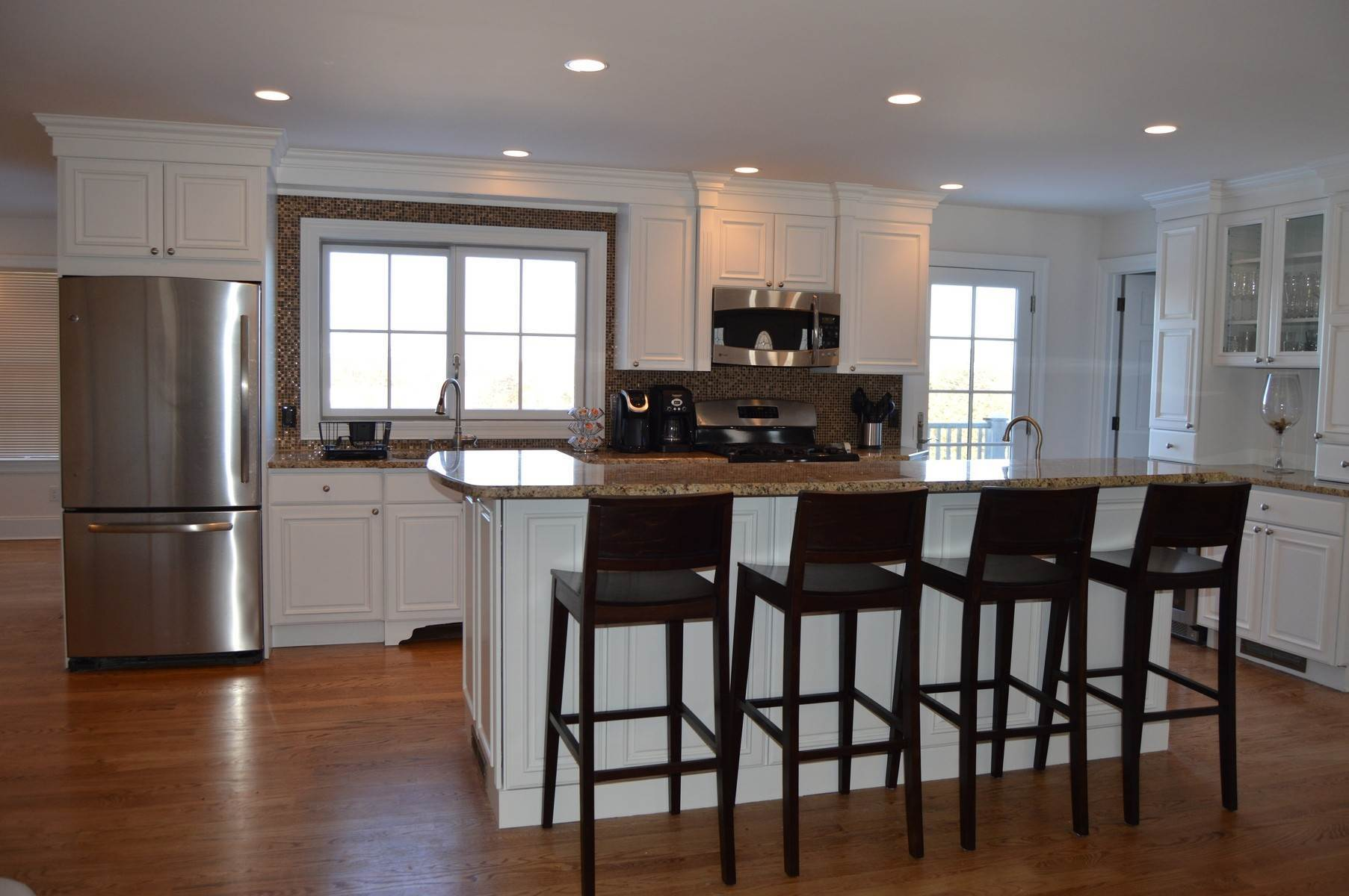 3. Single Family Home at New To The Rental Market In Golf Country Southampton, NY 11968