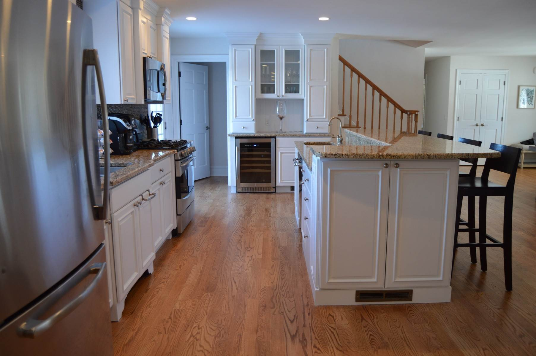6. Single Family Home at New To The Rental Market In Golf Country Southampton, NY 11968