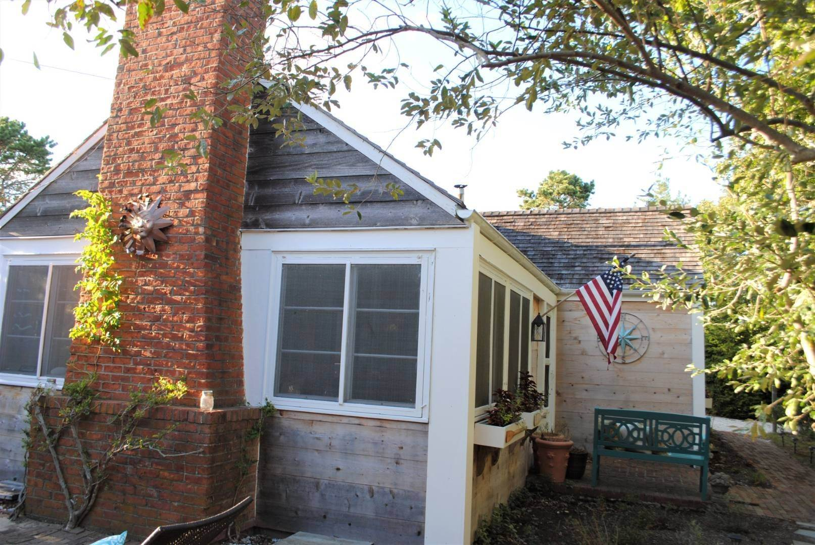23. Single Family Home at Amagansett Dunes Summer Beach Cottage Amagansett, NY 11930