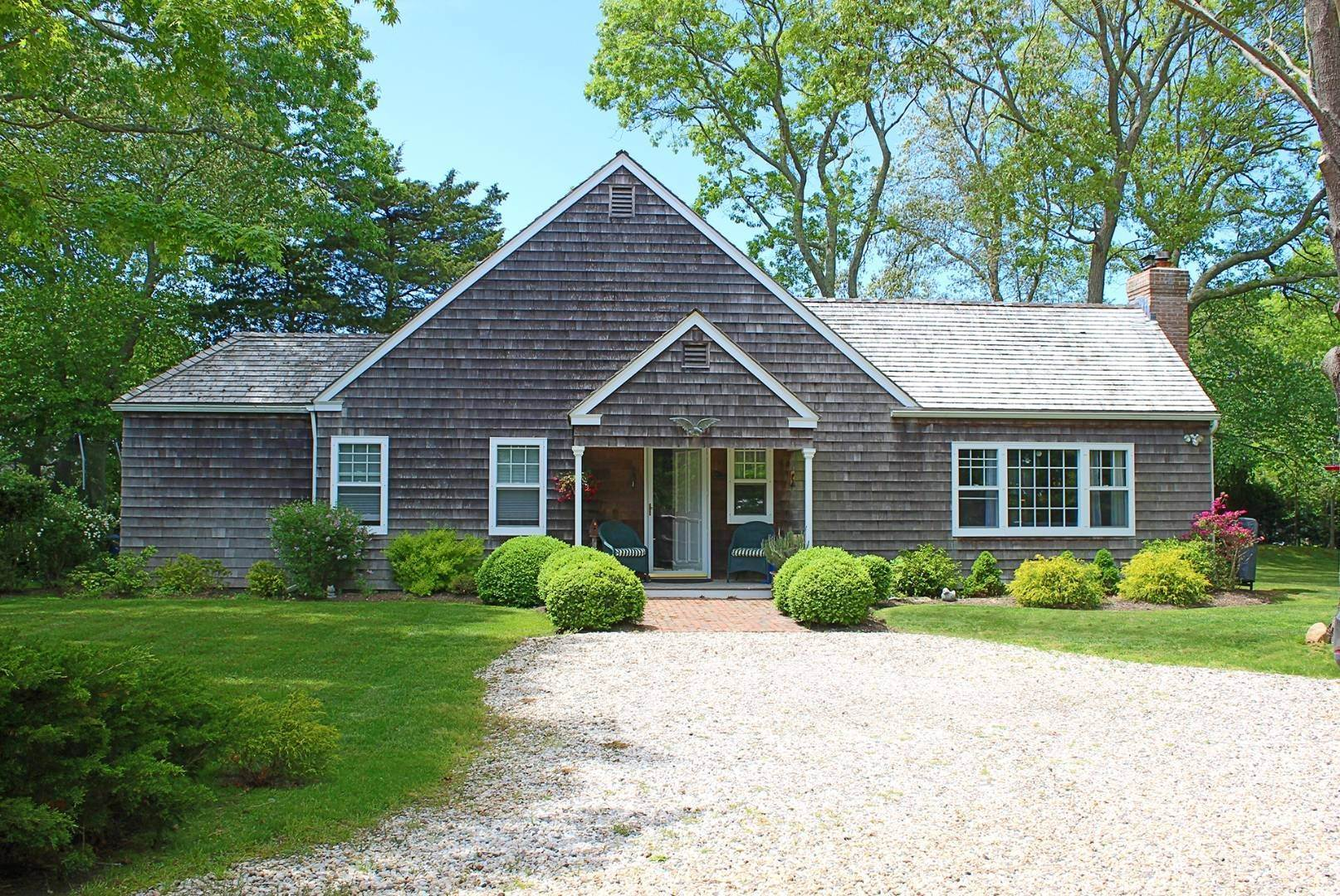 Single Family Home at East Hampton Cottage East Hampton, NY 11937