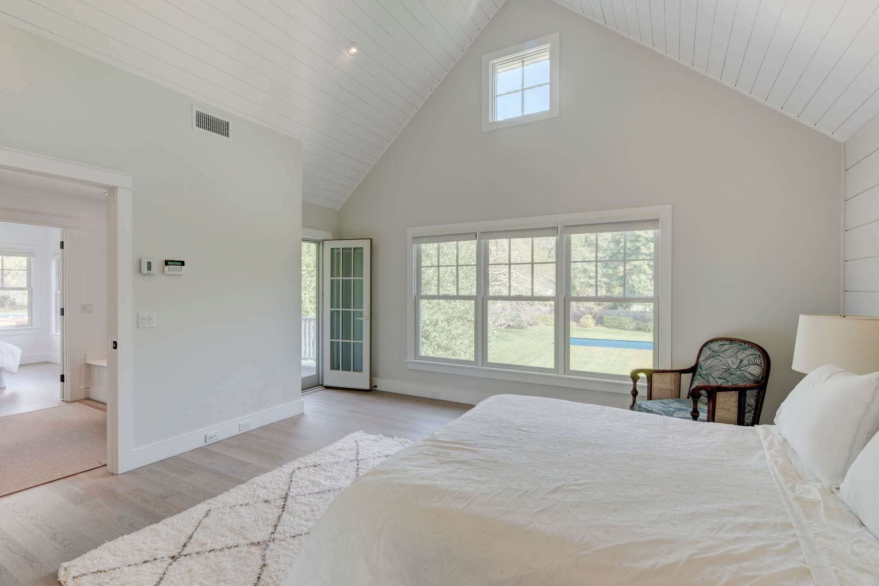 7. Single Family Home at Modern Home In Heart Of Bridgehampton Bridgehampton, NY 11932