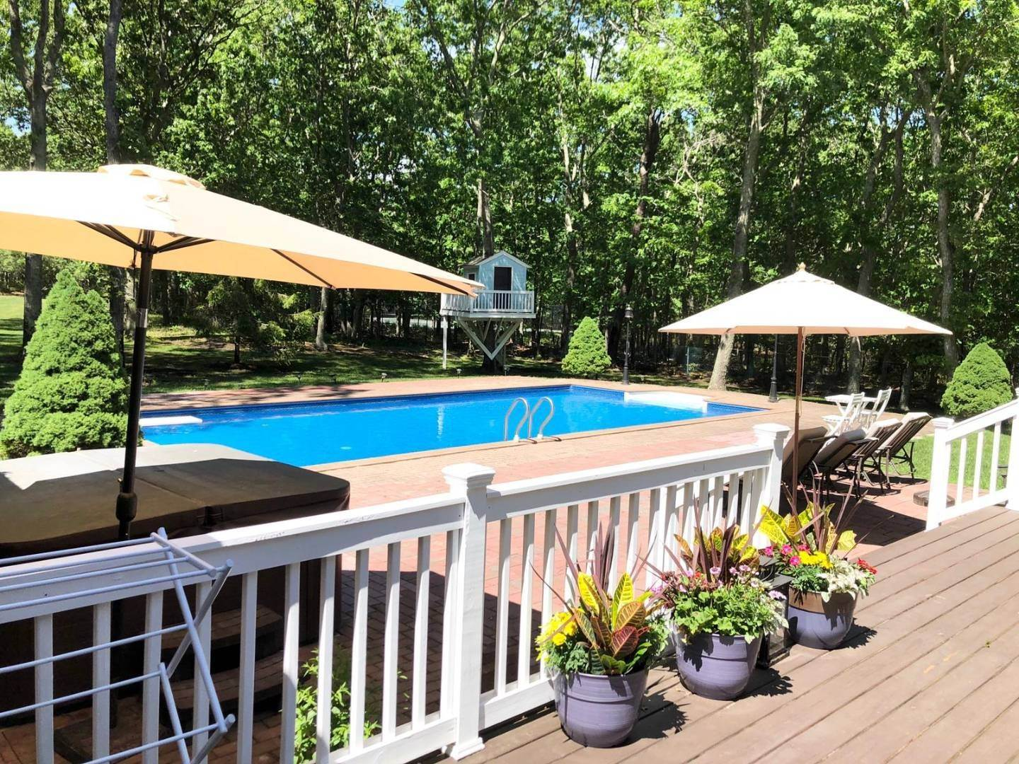 24. Single Family Home at Water Mill Home With Heated Pool And Spa Water Mill, NY 11976
