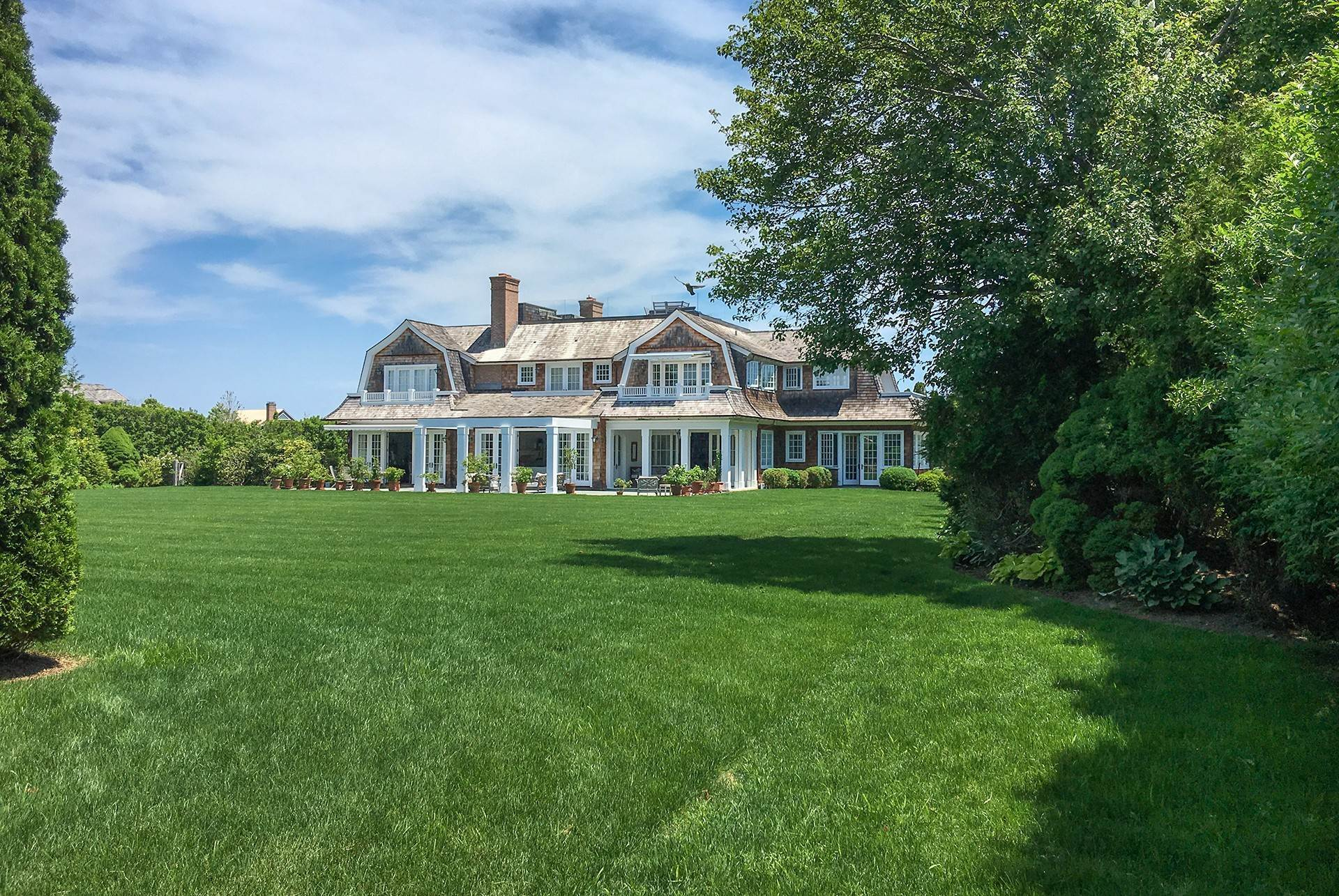 23. Single Family Home at Sagaponack Country Retreat South Of The Highway Sagaponack Village, NY 11962
