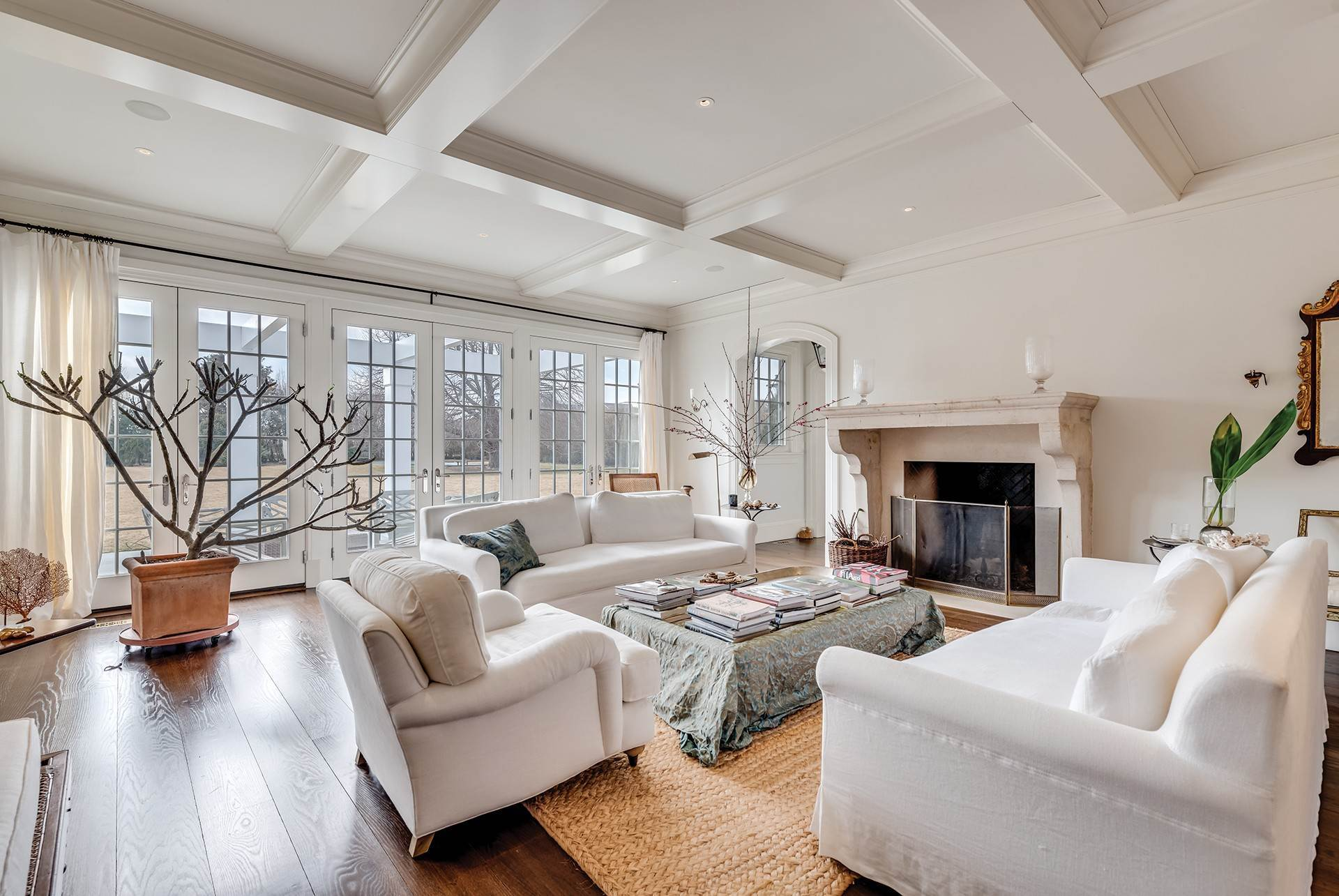 5. Single Family Home at Sagaponack Country Retreat South Of The Highway Sagaponack Village, NY 11962