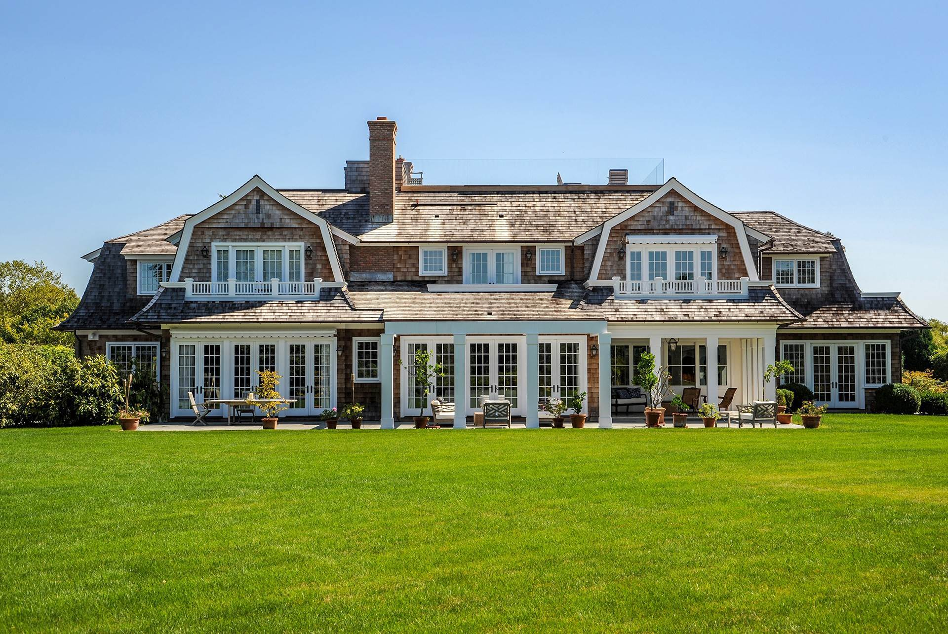 2. Single Family Home at Sagaponack Country Retreat South Of The Highway Sagaponack Village, NY 11962