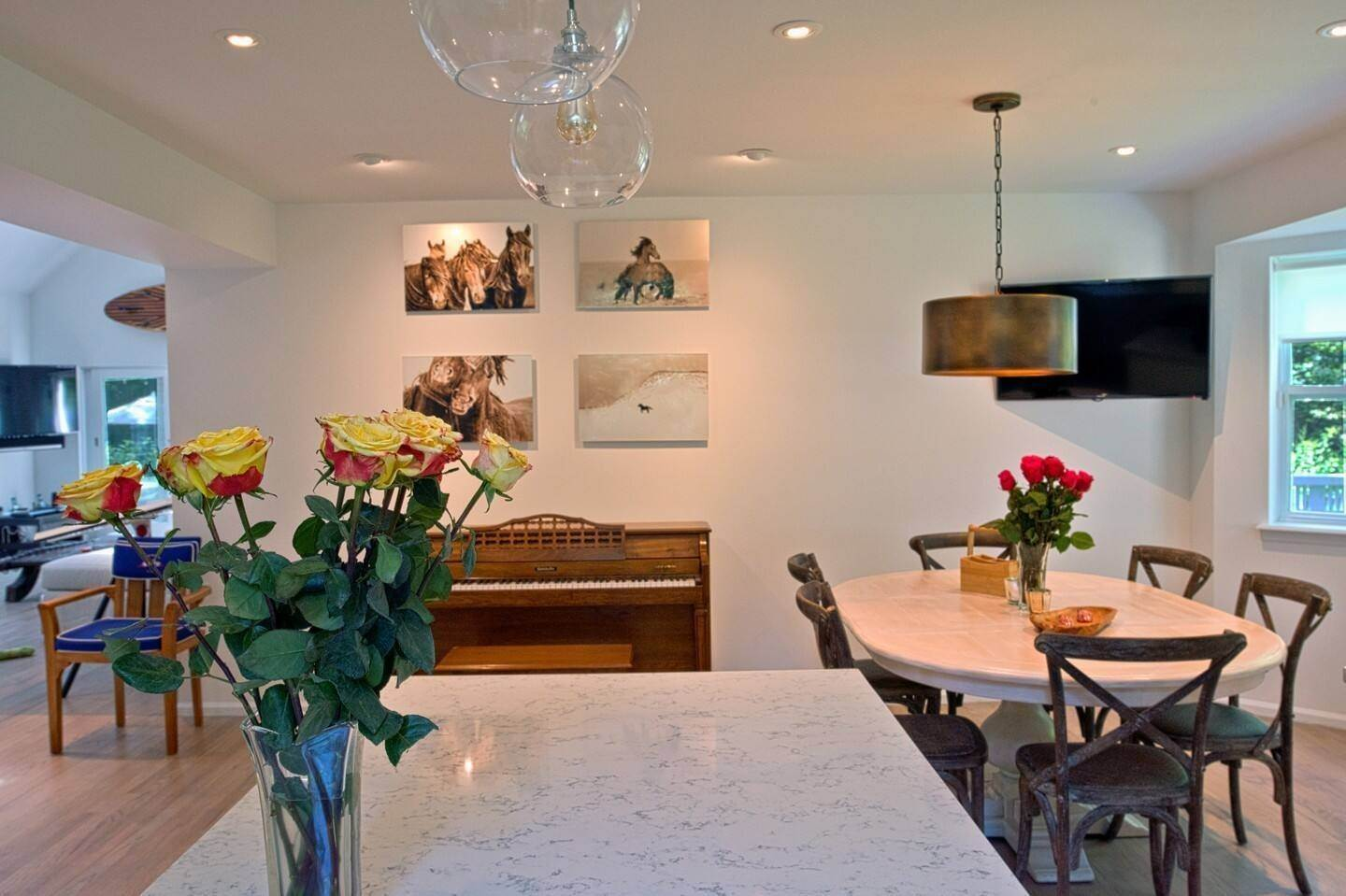 3. Single Family Home at East Hampton - Close To Bays East Hampton, NY 11937