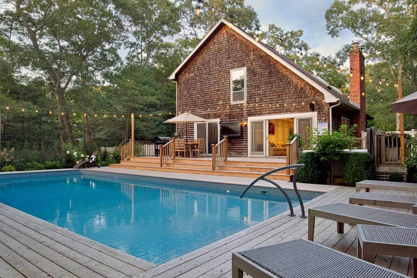 15. Single Family Home at East Hampton - Close To Bays East Hampton, NY 11937