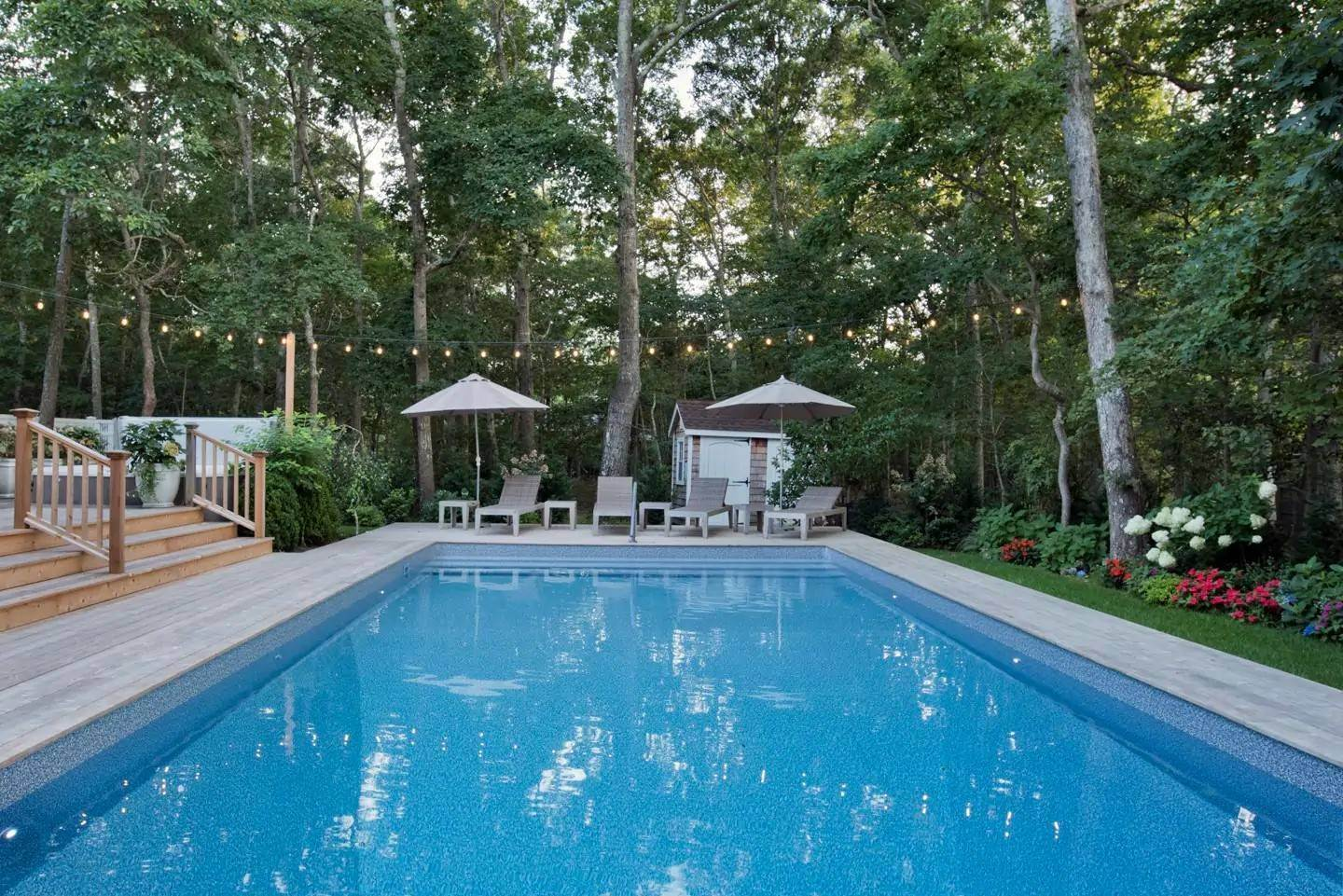 14. Single Family Home at East Hampton - Close To Bays East Hampton, NY 11937