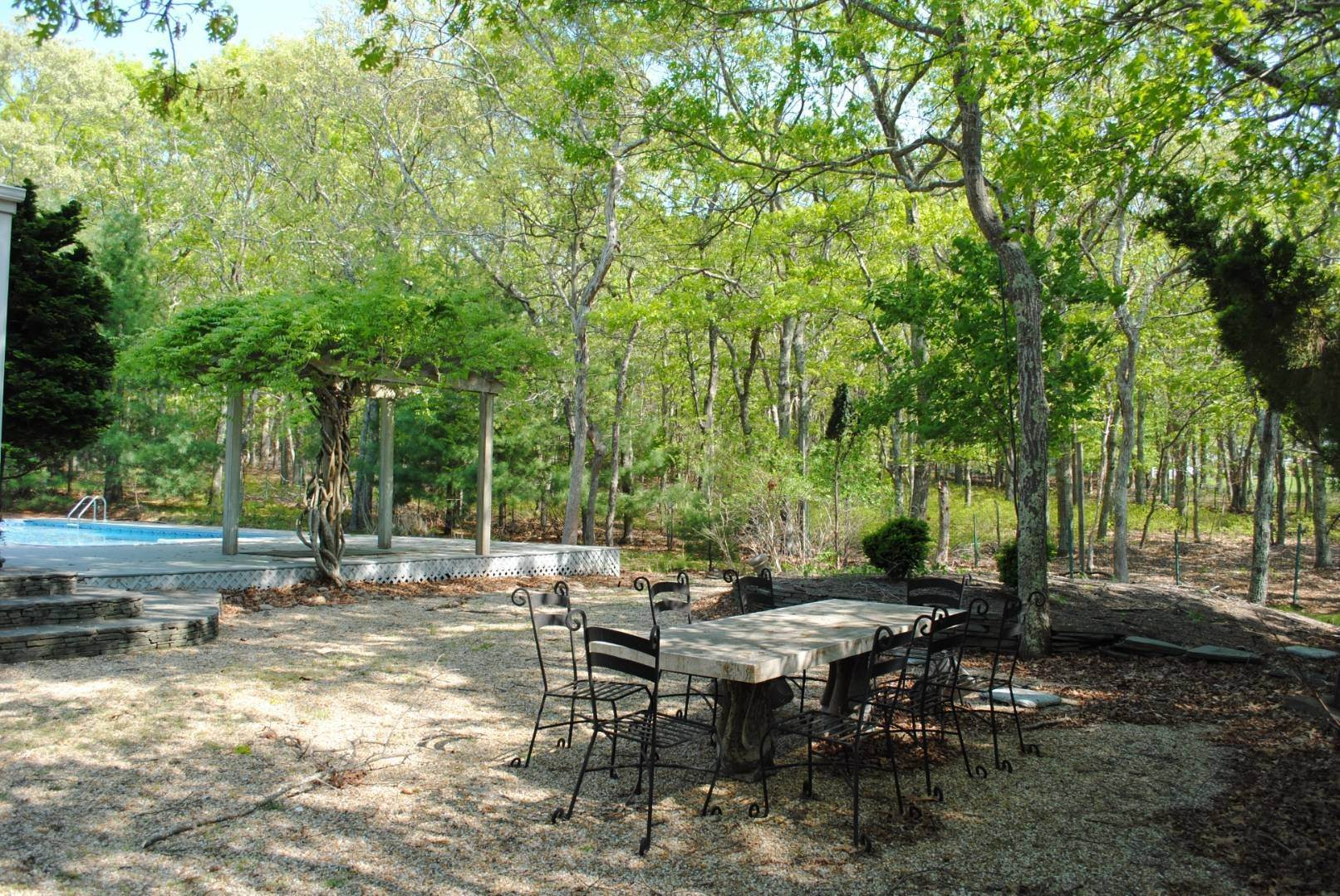 3. Single Family Home at Great Spot For Relaxing In East Hampton East Hampton, NY 11937